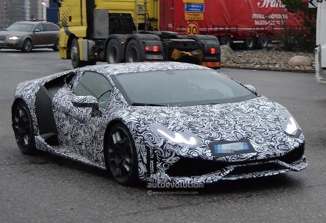 """Surprise : la Lamborghini """"Cabrera"""" vraiment très proche"""