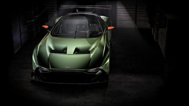 Salon de Genève 2015 - Aston Martin Vulcan,  800 ch en éruption