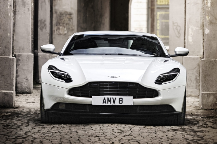 Aston Martin : la DB11 adopte le V8 AMG