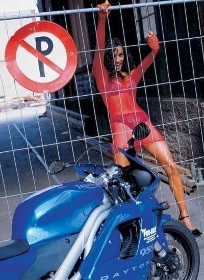 Moto & Sexy : Show et humide