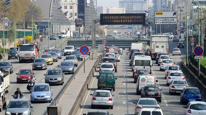 Alerte! Pour Greenpeace, on a 10 ans pour stopper la vente de voitures thermiques