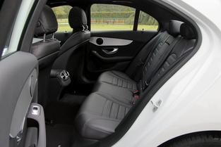 Comparatif vidéo - Alfa Romeo Giulia vs Mercedes Classe C : renouveau ou classicisme ?