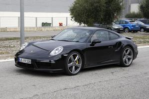 Surprise : de mystérieuses Porsche 911 restylées en essais