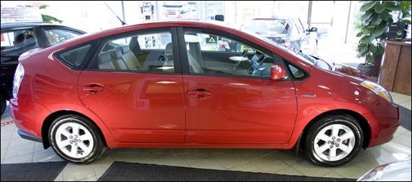 Toyota Prius : deux sociétés habillent son toit de capteurs solaires