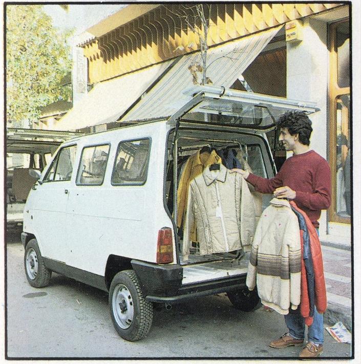 Le hayon qui se plie en deux? Parfait pour caser la collection automne - hiver 1982 d'anoraks.