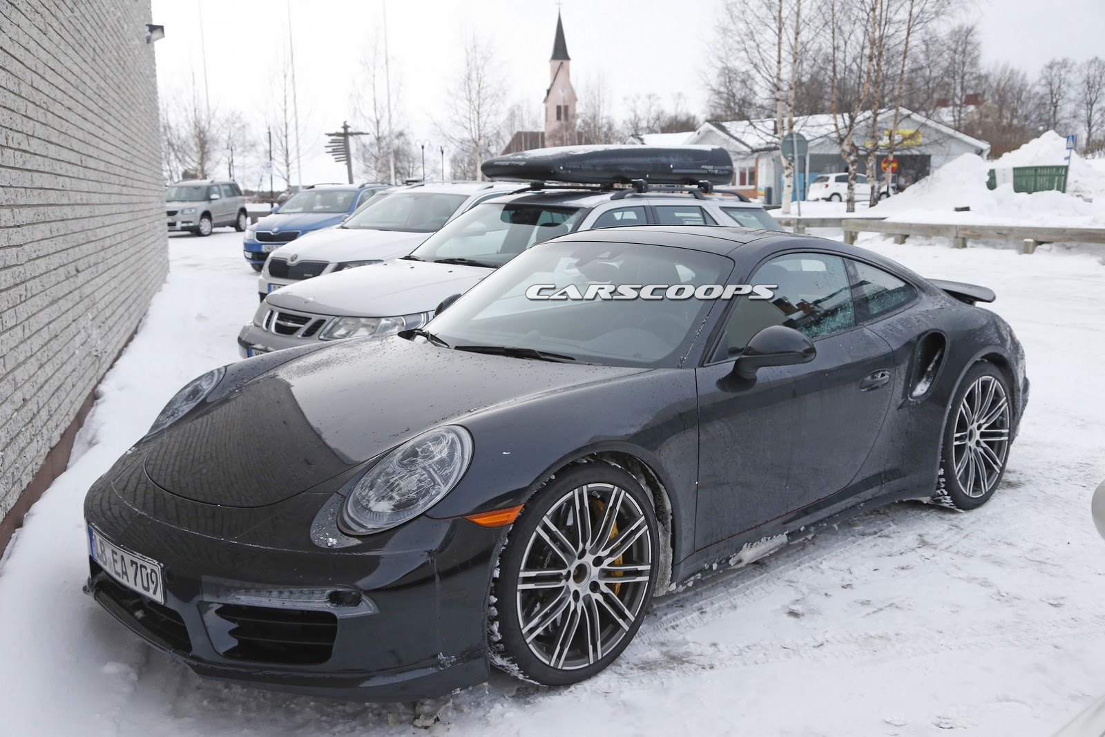 Surprise la porsche 911 turbo restyl e se montre de l for Plans de dessins de porche