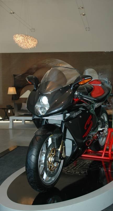Insolite : le rêve de la moto à la maison