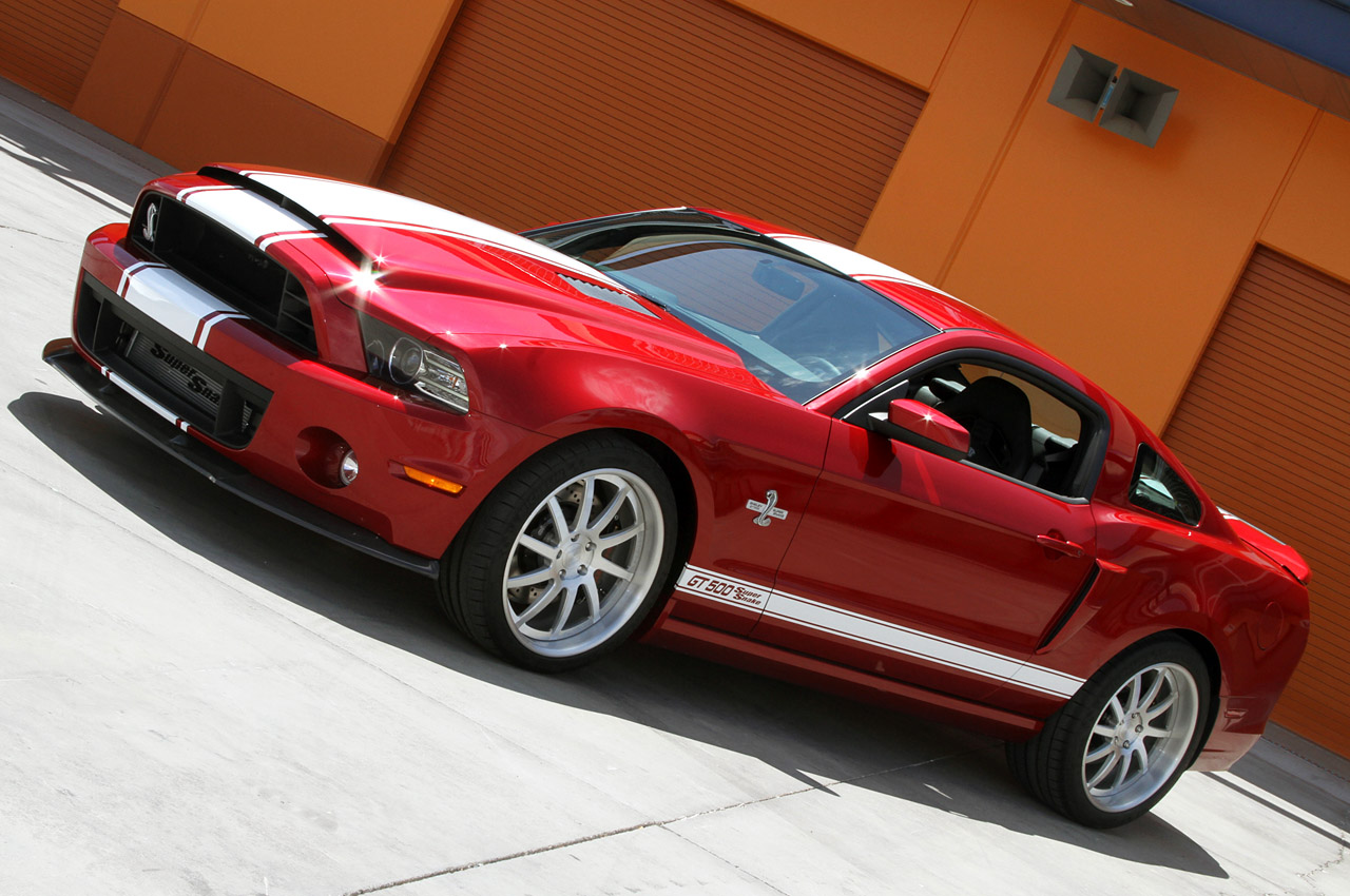shelby gt500 super snake 2013 850 ch. Black Bedroom Furniture Sets. Home Design Ideas