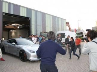 """'Ring Folies : la Nissan GT-R en rajoute une couche : 7'27""""56"""