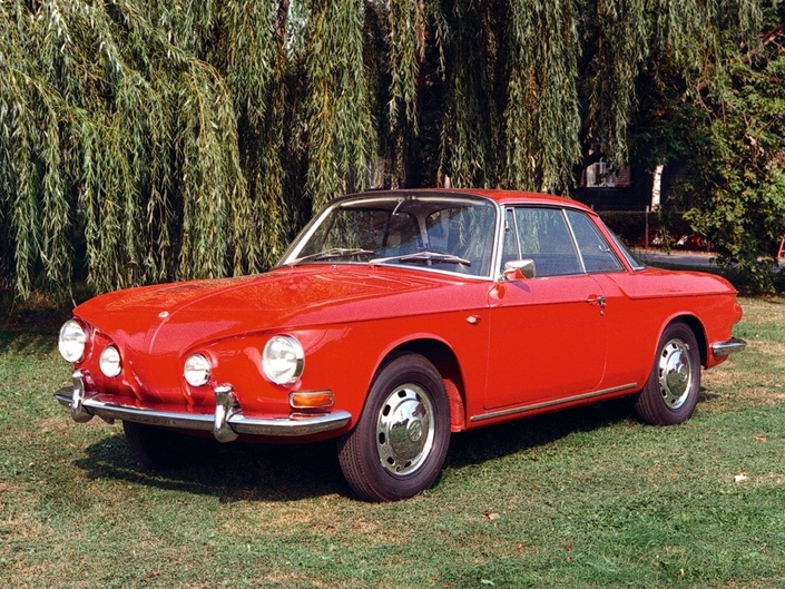 Affublée d'une ligne disgracieuse, la Volkswagen Typ 34, lancée en 1962, ne connaît pas le succès escompté. Le constructeur va la remplacer par la 914.