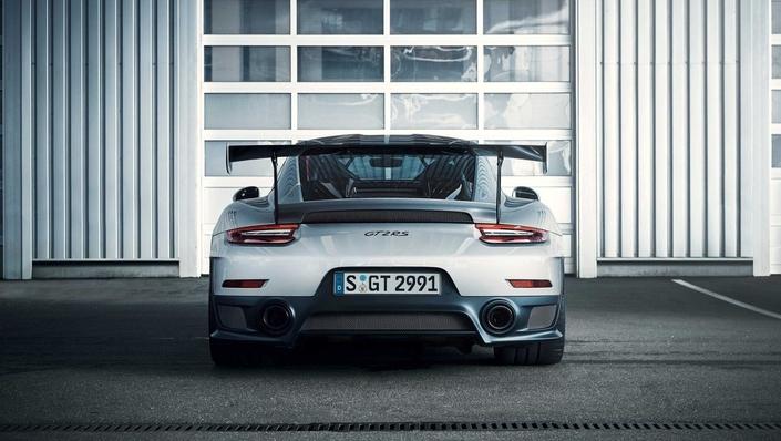 Voici les premières photos de la Porsche GT2 RS