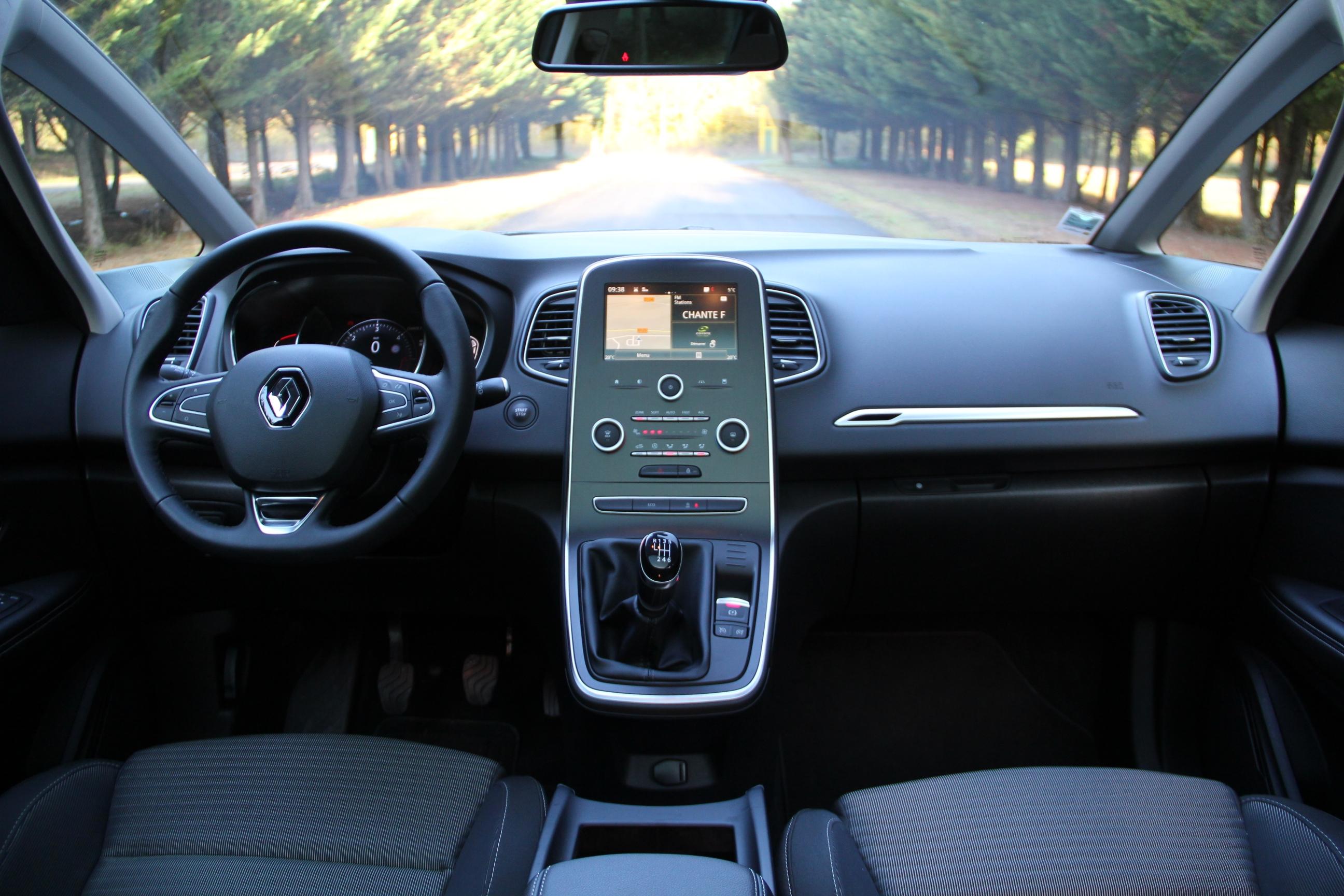 2019 - [Renault] Clio V (BJA) - Page 30 S0-essai-renault-scenic-4-dci-110-monsieur-tout-le-monde-391205