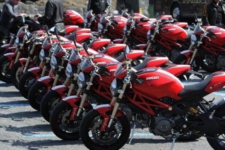 Essai - Ducati Monster 1100 Evo 2011 : Le Monster l'est un peu moins