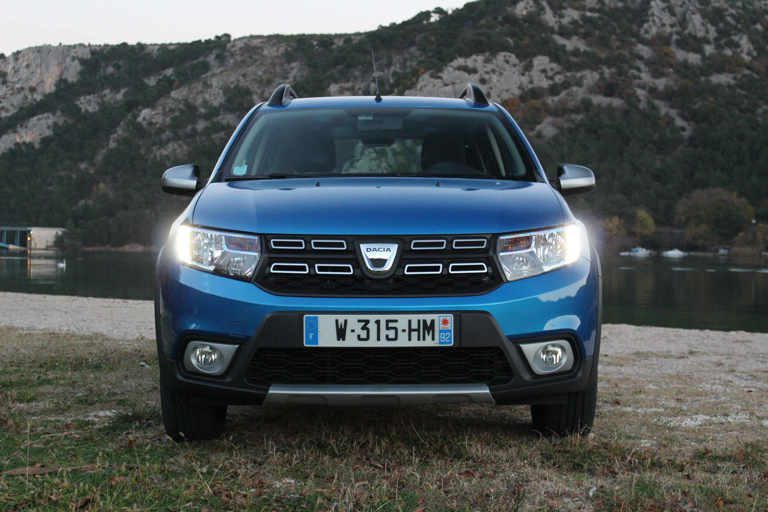 essai dacia sandero stepway tce 90 easy r pas vraiment un. Black Bedroom Furniture Sets. Home Design Ideas