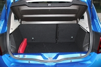 Le coffre de 320 litres est un des plus volumineux de la catégorie.