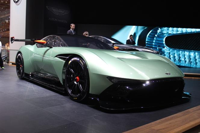 Aston Martin Vulcan : la réponse aux F1 GTR et FXX - En direct du Salon de Genève 2015