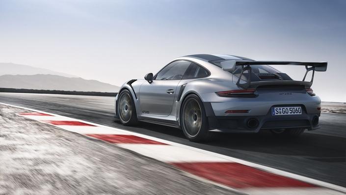Porsche 911 GT2 RS: 700 ch, 340km/h, 290000€