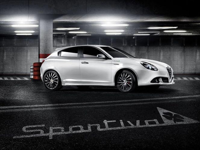 Mondial de Paris 2012 : Alfa Romeo Giulietta Pack Quadrifoglio Sportiva