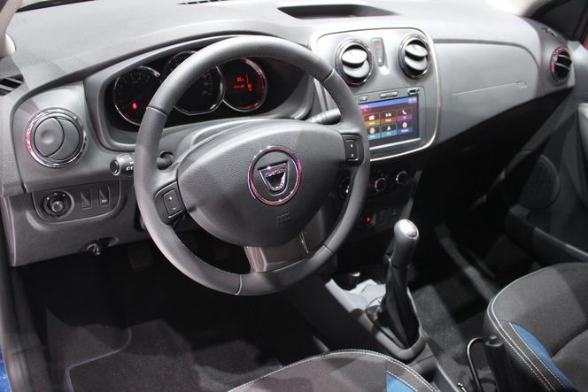 Dacia : une série limitée pour fêter les 10 ans - En direct du Salon de Genève 2015