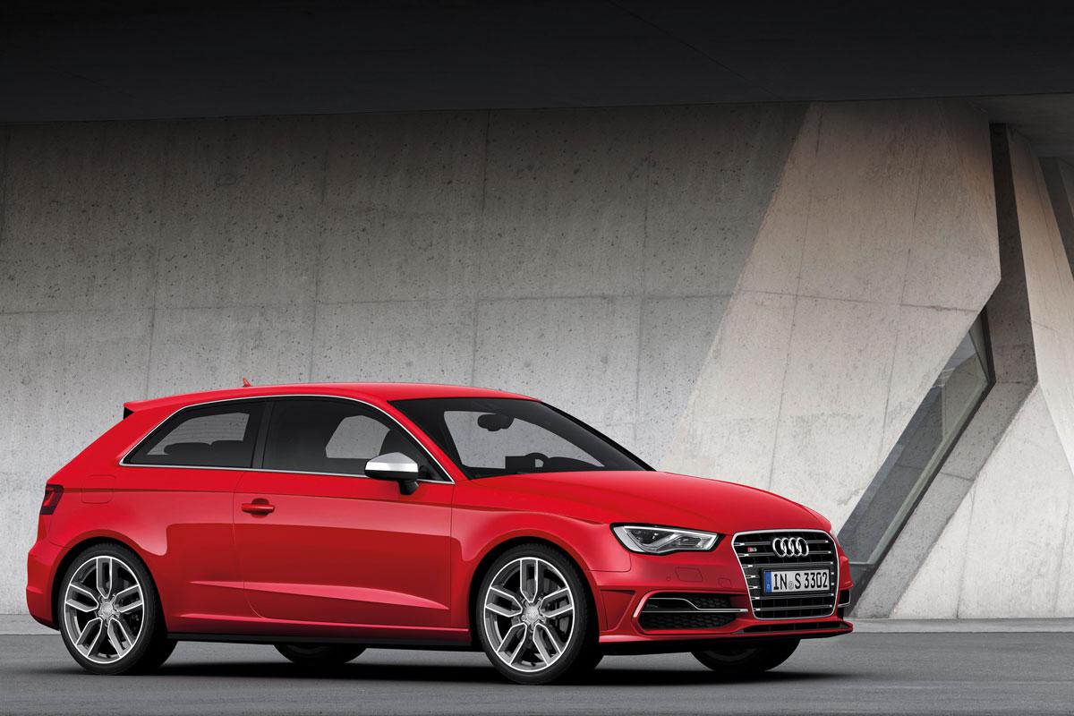 http://images.caradisiac.com/images/1/2/0/1/81201/S0-Mondial-de-Paris-Nouvelle-Audi-S3-c-est-elle-272590.jpg