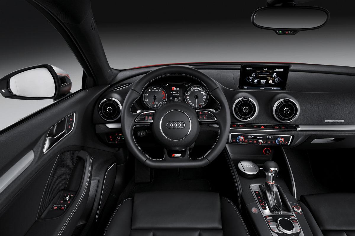 http://images.caradisiac.com/images/1/2/0/1/81201/S0-Mondial-de-Paris-Nouvelle-Audi-S3-c-est-elle-272591.jpg