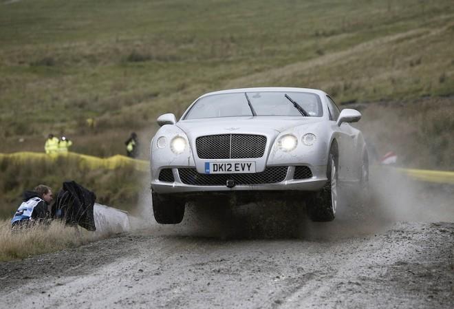 Insolite : Kris Meeke au Rallye de Grande Bretagne en Bentley Continental GT
