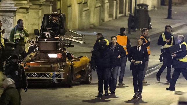 Daniel Craig légèrement blessé dans sa DB10 sur le tournage de James Bond