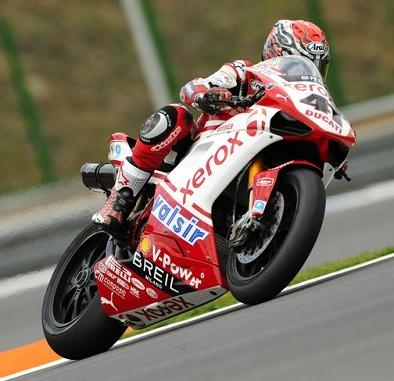 Superbike - Brno: Haga tient bon