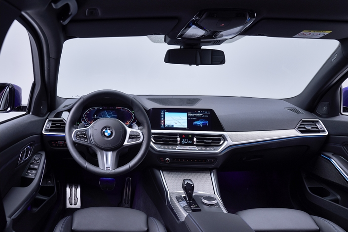 2018 world auto show all information about the new bmw 3 series g20 manchikoni. Black Bedroom Furniture Sets. Home Design Ideas