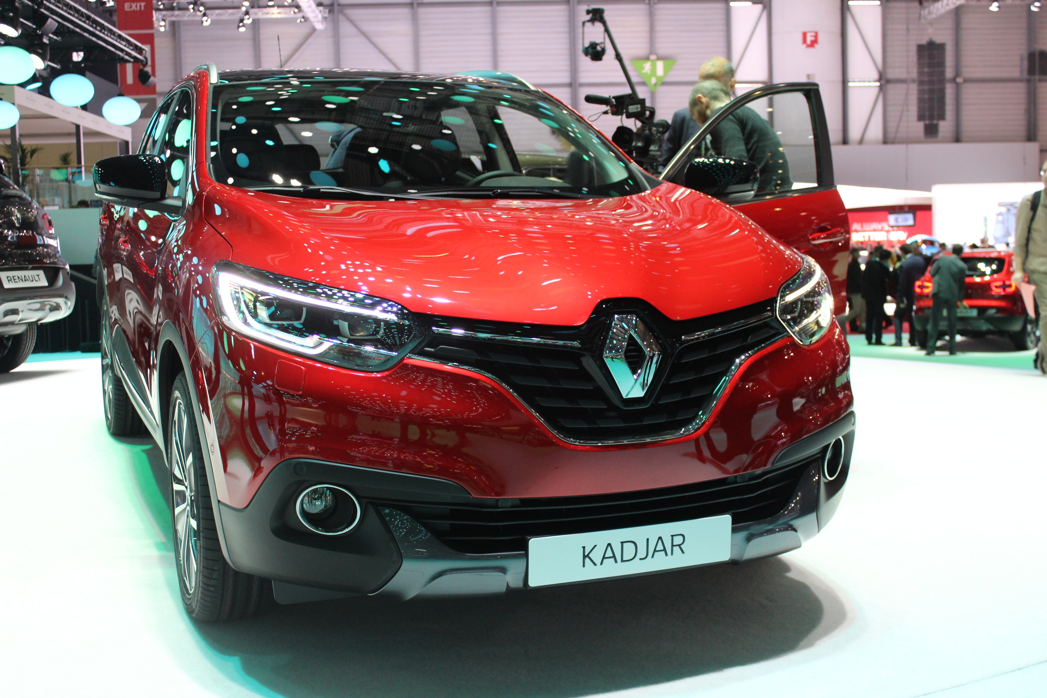 renault kadjar succ s en vue vid o en direct du salon de gen ve 2015. Black Bedroom Furniture Sets. Home Design Ideas