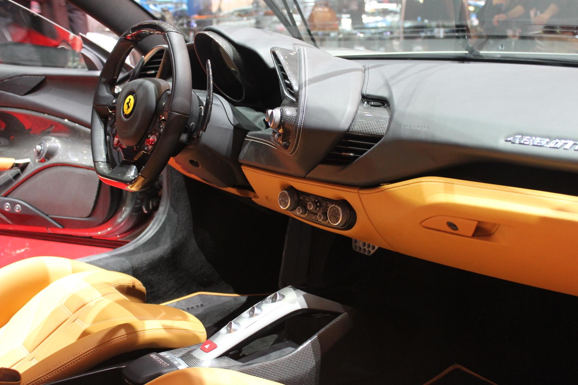 S0-Ferrari-488-GTB-les-bienfaits-du-turbo-En-direct-du-salon-de-Geneve-2015-347044