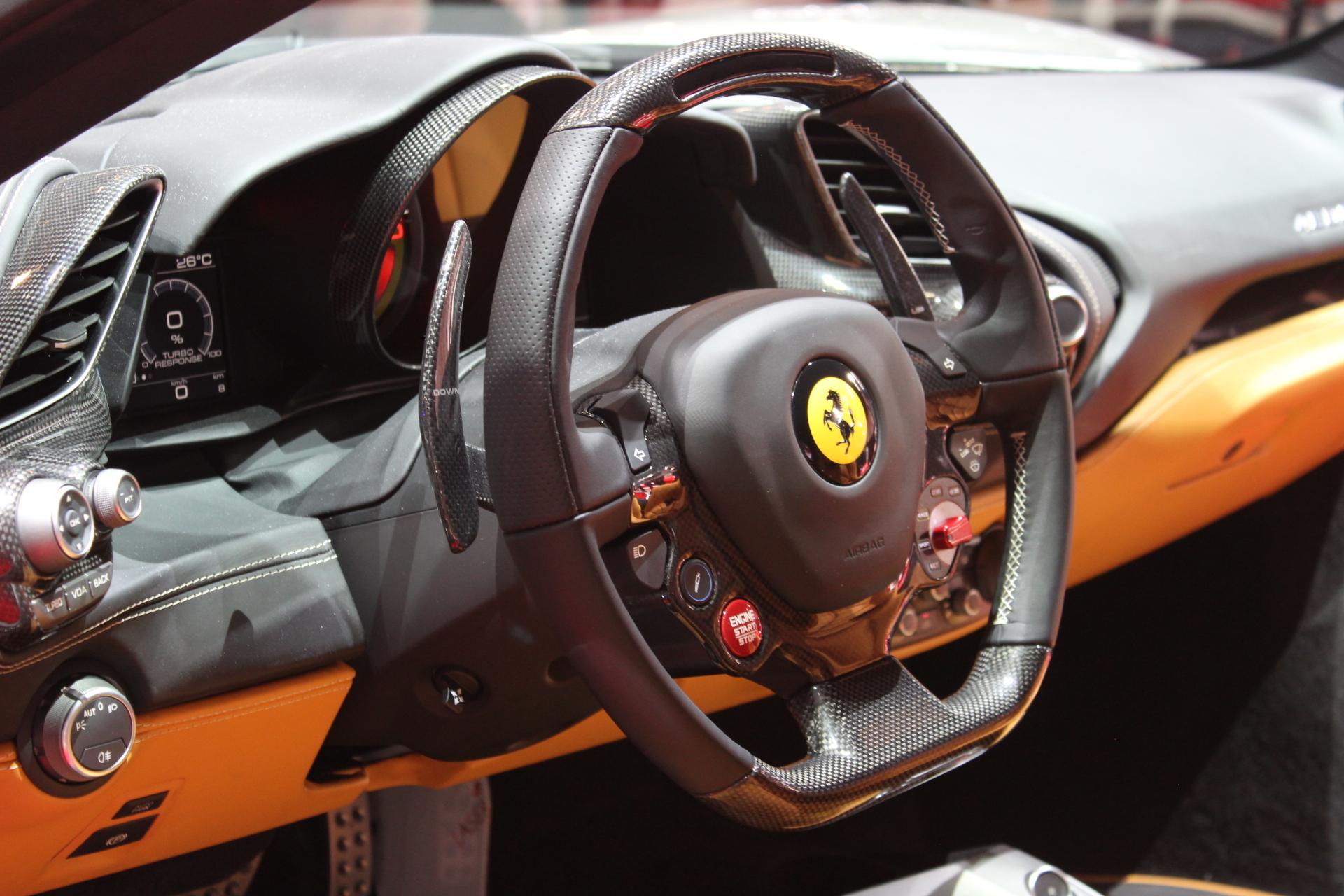 S0-Ferrari-488-GTB-les-bienfaits-du-turbo-En-direct-du-salon-de-Geneve-2015-347089