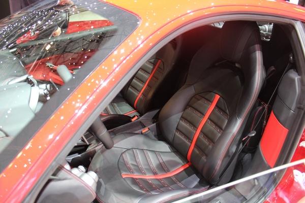 S7-Ferrari-488-GTB-les-bienfaits-du-turbo-En-direct-du-salon-de-Geneve-2015-347048