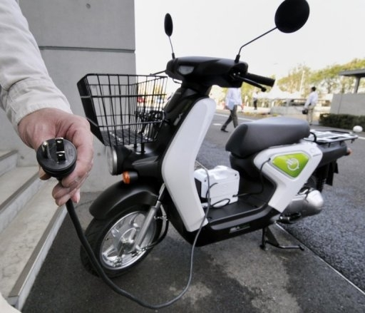 honda nouveau scooter lectrique recharge rapide. Black Bedroom Furniture Sets. Home Design Ideas