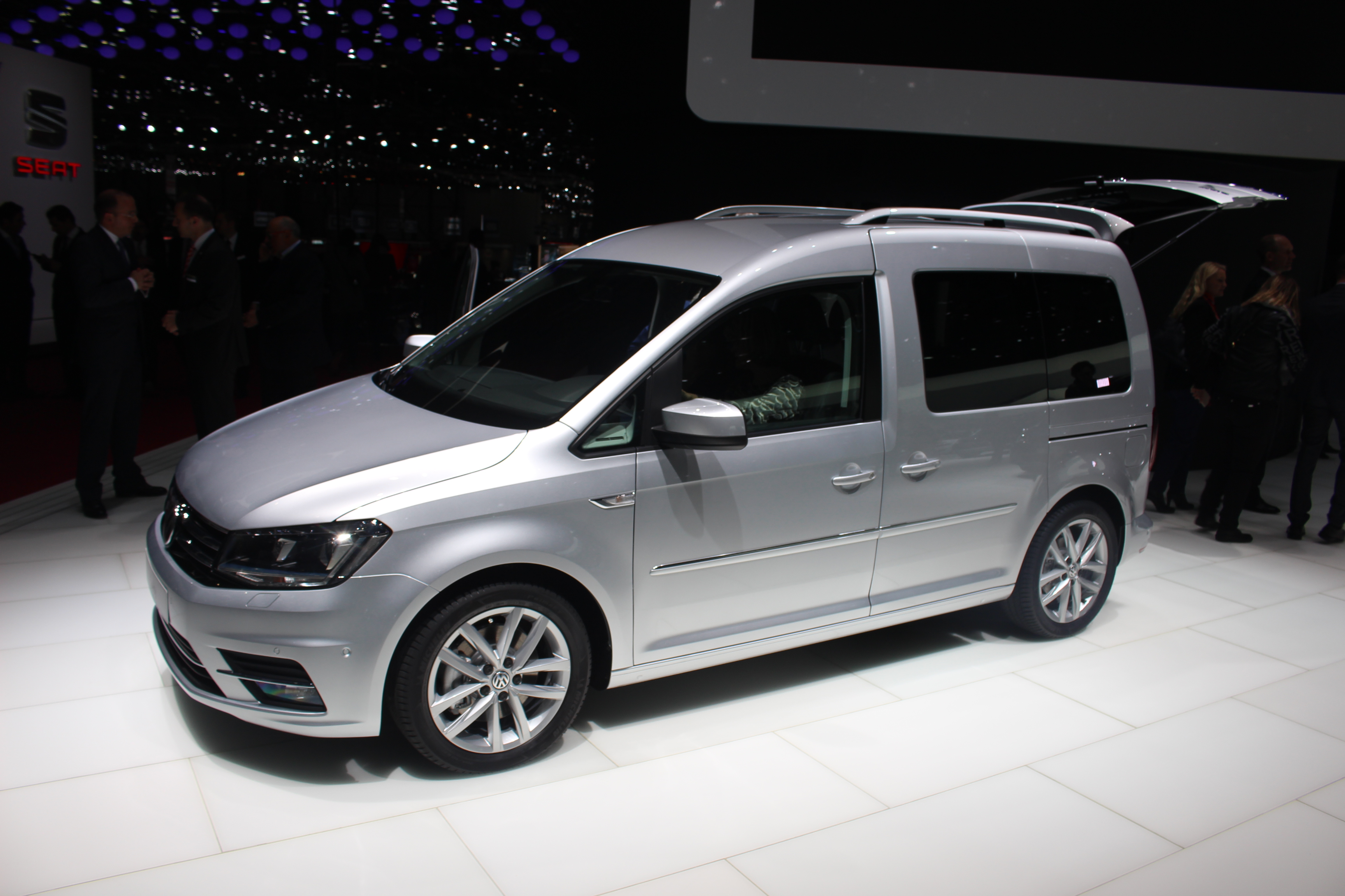 volkswagen caddy maxi 7 places en direct du salon de gen ve 2015