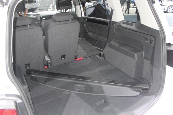 S7-Volkswagen-Touran-le-renouveau-En-direct-du-salon-de-Geneve-2015-346854
