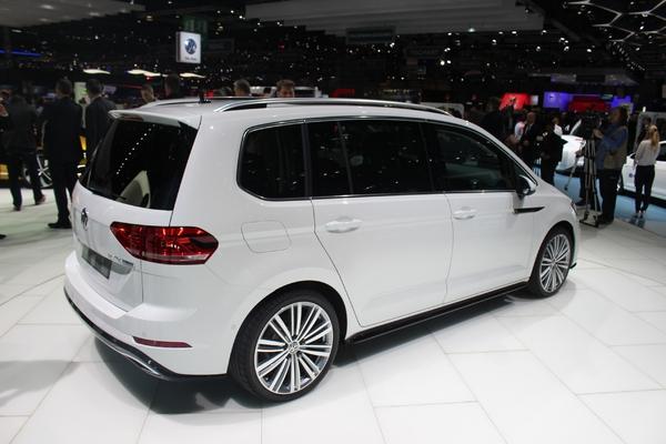 S7-Volkswagen-Touran-le-renouveau-En-direct-du-salon-de-Geneve-2015-346867