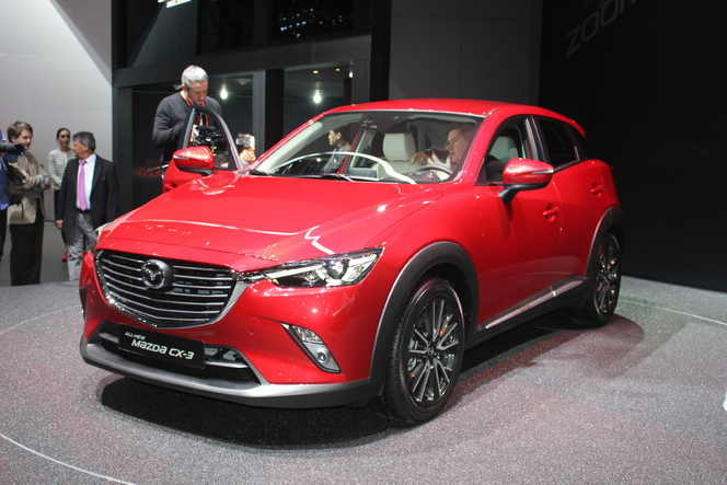 mazda cx 3 redoutable vid o en direct du salon de gen ve 2015. Black Bedroom Furniture Sets. Home Design Ideas