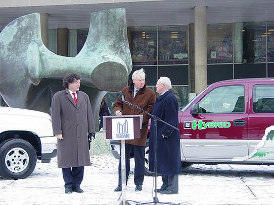 Toronto : General Motors a fourni des pick-up hybrides