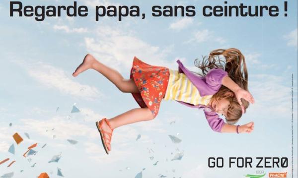 regarde papa sans ceinture la nouvelle campagne de la s curit routi re belge. Black Bedroom Furniture Sets. Home Design Ideas