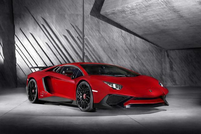 Lamborghini officialise l'Aventador LP 750-4 SV
