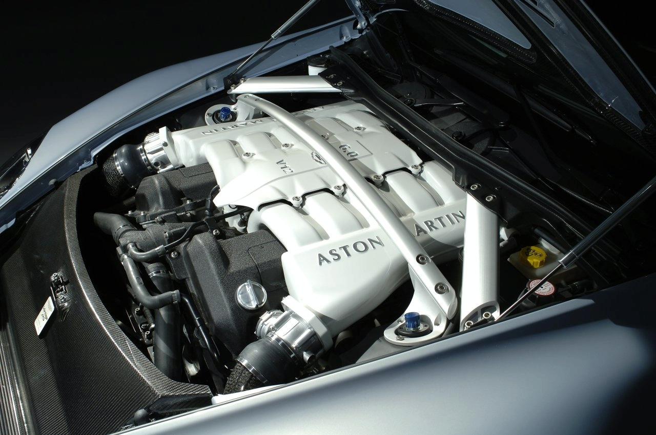 http://images.caradisiac.com/images/1/2/8/4/21284/S0-Aston-Martin-V12-Vantage-RS-Concept-la-future-bombe-anglaise-est-officielle-91421.jpg