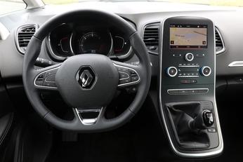 Comparatif vidéo - Renault Kadjar vs Renault Scénic : l'ennemi intérieur
