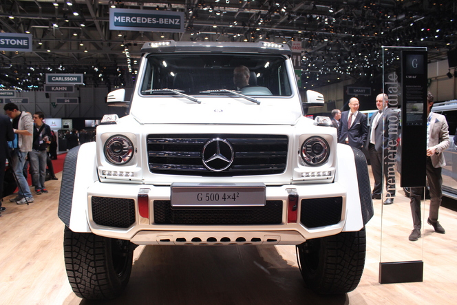 mercedes g500 4x4 big foot en direct du salon de gen ve 2015. Black Bedroom Furniture Sets. Home Design Ideas