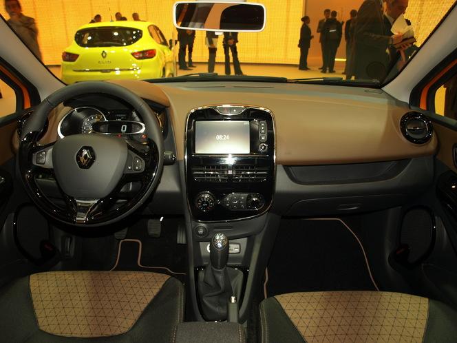 Vidéo en direct du Mondial de l'Auto - Renault Clio 4 : redresser la barre