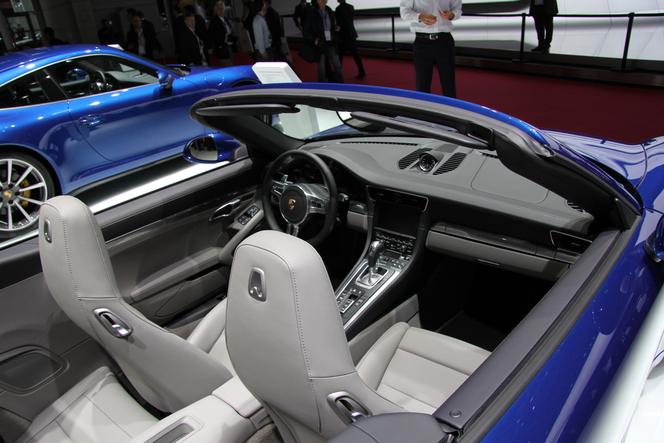 En direct du Mondial 2012 - Porsche 911 Carrera 4 et 4S : elle se met en 4