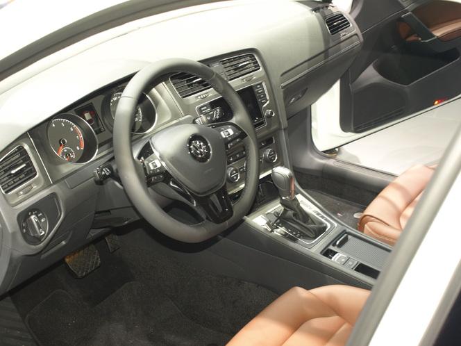 Vidéo en direct du Mondial de l'Auto - Volkswagen Golf 7