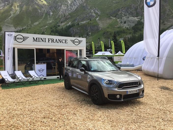 Mini Countryman hybride - Vidéo en direct du Salon de Val d'Isère 2017