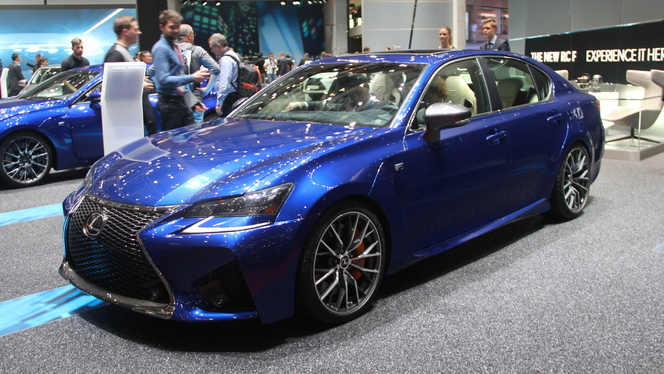 Lexus GS-F : radicale mais pas trop - En direct du salon de Genève 2015