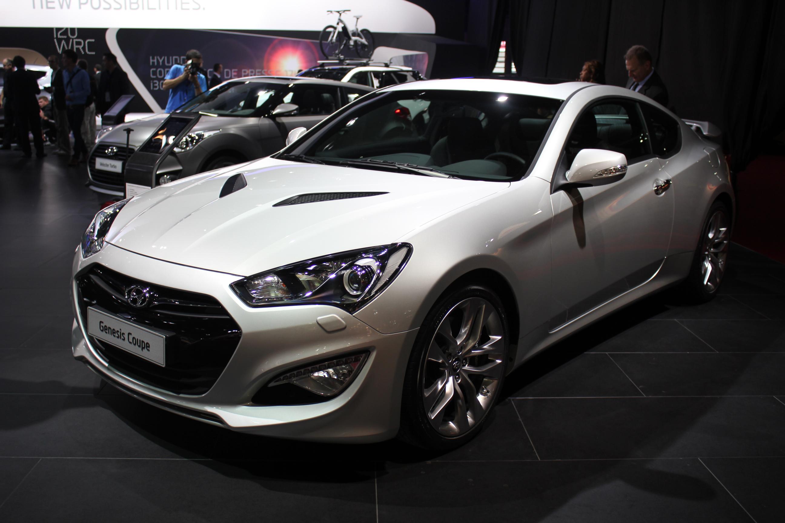 http://images.caradisiac.com/images/1/3/7/1/81371/S0-En-direct-du-Mondial-2012-Hyundai-Genesis-Coupe-restyle-l-injustement-boude-273872.jpg
